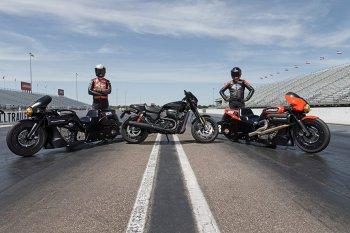 Harley Davidson biến Street Rod thành xe đua Drag