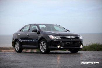 Khách hàng tại Nha Trang trúng thưởng xe Toyota Camry