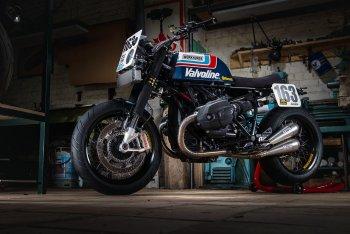 R nineT lên đồ phong cách superbike cổ điển