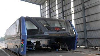 """Dự án xe bus """"chân dài"""" Trung Quốc thất bại thảm hại"""