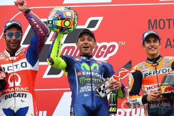 Chặng 8 MotoGP: Chiến thắng đầy cảm xúc của Rossi tại Assen