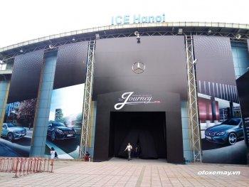 Khai mạc show diễn thời trang và xe đẳng cấp châu Âu tại Hà Nội