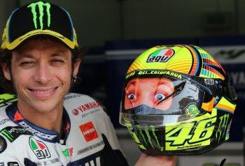 10 loại mũ bảo hiểm cực chất của Valentino Rossi