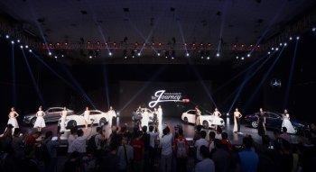 Triển lãm Mercedes-Benz Fascination 2017 tại Hà Nội bán được 300 xe