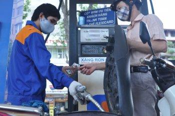 Xăng dầu đồng loạt lên giá