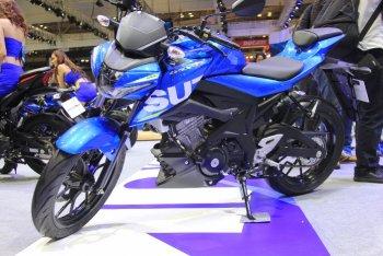 Suzuki GSX-S150 2017 giá 68,9 triệu bằng Yamaha FZ150i GP