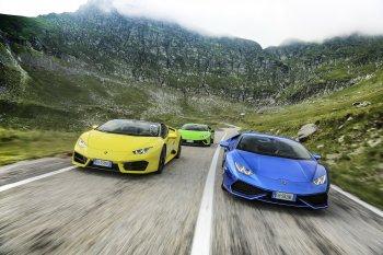Xem Lamborghini Huracan đua tốc độ trên đèo