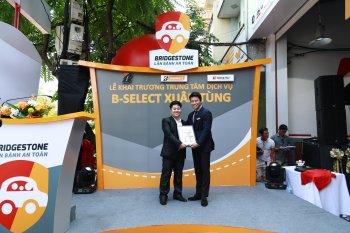 Bridgestone liên tục chăm sóc lốp xe tại Hà Nội
