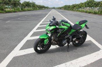 Kawasaki Z900 2017 – nakedbike công nghệ xe đua với giá hấp dẫn