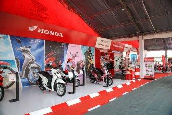 Honda lại giảm giá khi mua các dòng xe máy số