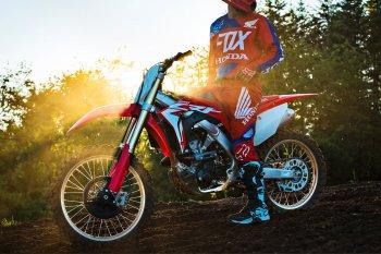Honda trình làng cào cào CRF250R 2018
