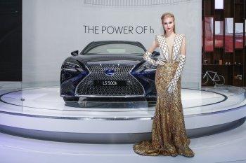 VMS 2017: Tuyệt tác công nghệ Multi-Stage Hybrid của Lexus ở triển lãm
