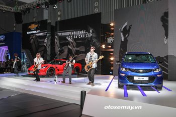 """Corvette Grand Sport và Bolt EV: 02 """"xe độc"""" của Chevrolet tại VMS 2017"""