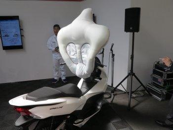 Xe máy cũng sẽ được trang bị túi khí
