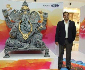 Phụ tùng xe Ford hóa tượng thần Ganesha