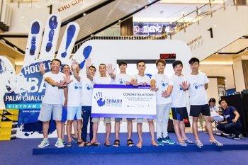"""10 người Việt vào chung kết cuộc thi """"đặt tay lâu nhất"""" trúng xe Subaru"""