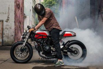 Ducati 900 SuperSport độ café racer cực chất của thợ độ Nga
