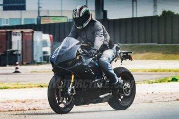 """Video đầu tiên ghi lại """"tiếng hát"""" của Ducati V4"""