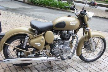 Royal Enfield môtô Anh Quốc giá 120 triệu tại Sài Gòn
