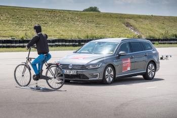 Radar của Bosch: tương lai xán lạn cho người sử dụng xe hai bánh