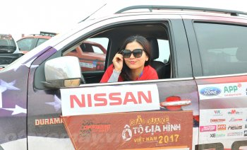 Nissan Navara cướp ghế Vua bán tải VOC 2017