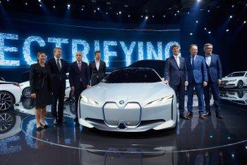 Frankfurt Motor Show 2017: BMW ra mắt xe điện đối đầu Tesla Model 3