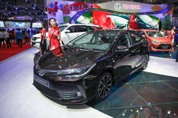 Toyota Altis 2017 có giá cao nhất 936 triệu đồng ?