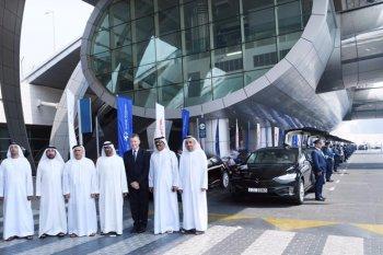 Dubai thể hiện độ chịu chơi với dàn taxi chạy điện