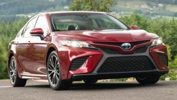 """Toyota vẫn """"độc chiếm"""" ngôi vị thương hiệu ôtô giá trị nhất"""