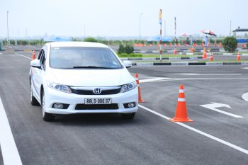 Honda Việt Nam đào tạo bằng lái ôtô B1, B2