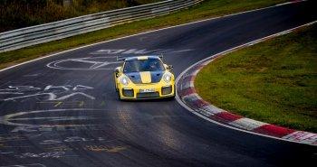 Porsche 911 GT2 RS 2018 suýt lập kỷ lục trên đường đua Nurburgring