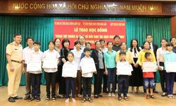 Toyota Việt Nam tặng học bổng 405 triệu tại Đắk Lắk