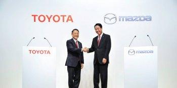 Toyota, Mazda, Denso bắt tay thúc đẩy công nghệ xe điện