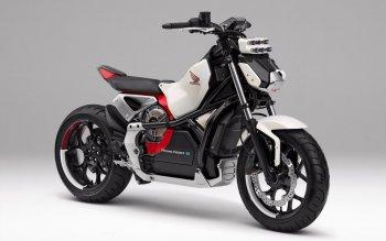 Xe máy điện tự cân bằng của Honda giúp người mới tập xe