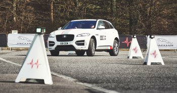 Jaguar mang chương trình trải nghiệm xe toàn cầu tới Việt Nam