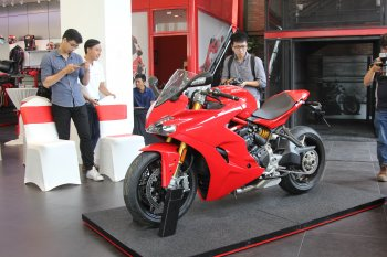 Ducati SuperSport giá từ 513,9 triệu đồng