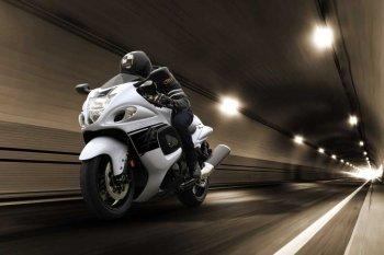 Suzuki Hayabusa thế hệ mới hoãn ngày lên kệ đến năm 2019