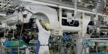 Sau Nissan, Subaru thừa nhận để người thiếu chuyên môn kiểm tra sản phẩm