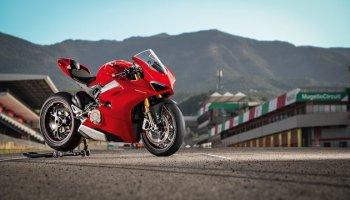 Ducati bất ngờ vén màn Panigale V4