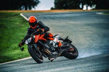 KTM Duke 790 tấn công phân khúc naked bike tầm trung