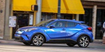Toyota triệu hồi xe C-HR và Prius