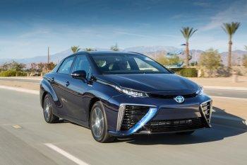 """Toyota: Động cơ đốt trong không """"sống nổi"""" sau năm 2050"""