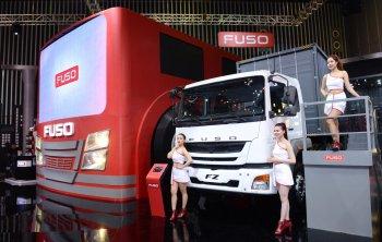 Xe tải FUSO gia nhập Thaco nhẹ gánh cho Mercedes-Benz