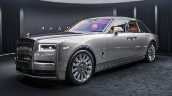 """Rolls-Royce Phantom VIII là """"Xe siêu sang của năm"""""""