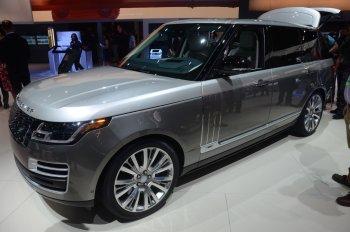 Range Rover SVAutobiography 2018 liệu có thể cạnh tranh với Bentley Bentayga ?