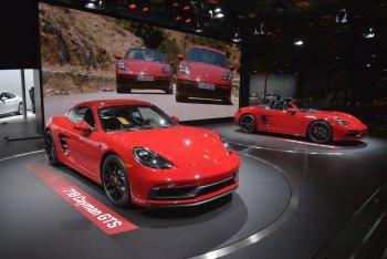 Porsche trình làng 718 Boxster GTS 2018 và 718 Cayman GTS 2018