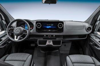 Ngắm nội thất sang trọng của Mercedes-Benz Sprinter thế hệ mới