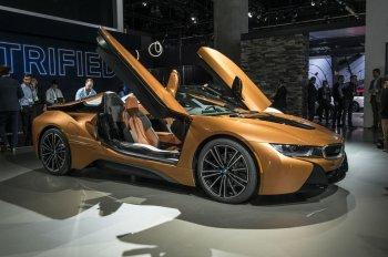 BMW ra mắt 25 xe chạy điện trong 8 năm tới