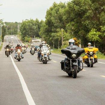 Tín đồ Harley-Davidson Việt Nam tổ chức phượt từ thiện Giáng sinh