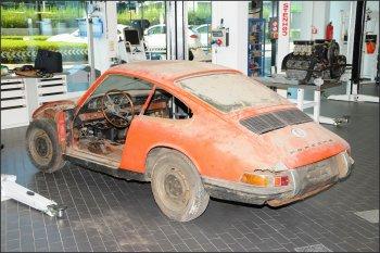 """""""Đào"""" được chiếc Porsche 911 đầu tiên trong lịch sử"""